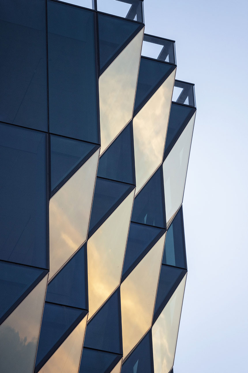 40 Tenth Avenue - Solar Carve Tower